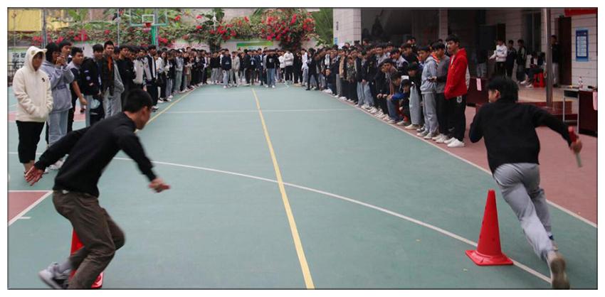 班级40米10人往返接力比赛(2).jpg