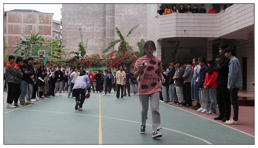 班级乒乓球运球接力比赛(2).jpg