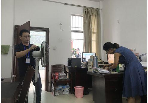 广西诚博国际官方网站开展办公室、实训室 卫生大扫除