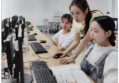 我院电子商务专业积极组织参加全国扶贫职业技能大赛广西选拔赛的训练