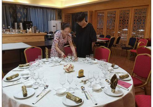 我院积极参加第一届全国扶贫职业技能大赛广西选拔赛酒店管理专业赛项